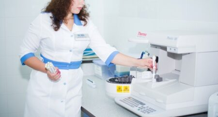 Выполнение анализа сыворотки крови на белки