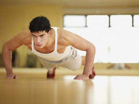 Занятия спортом и любые активные физические нагрузки перед сдачей анализов нужно отложить