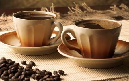 При пониженном уровне рекомендуют пить кофе